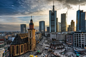 Frankfurt: elektrisch durch's Bankenviertel dank E-Scooter