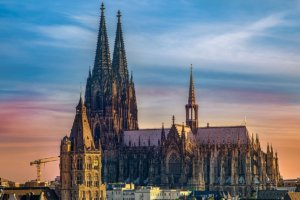 Köln: E-Scooter mieten oder probefahren und kaufen